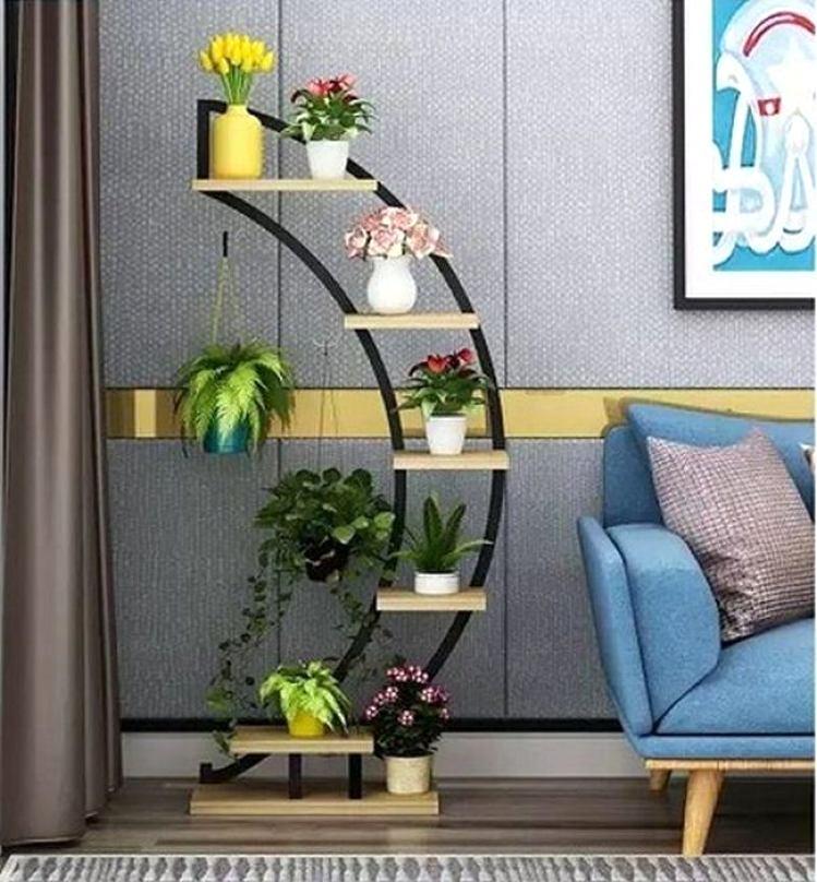 Оригинальные полки для комнатных цветов