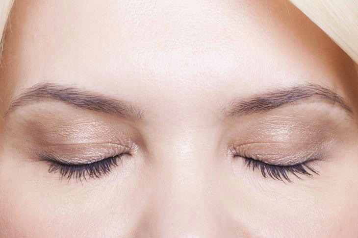 кремовые тени в макияже