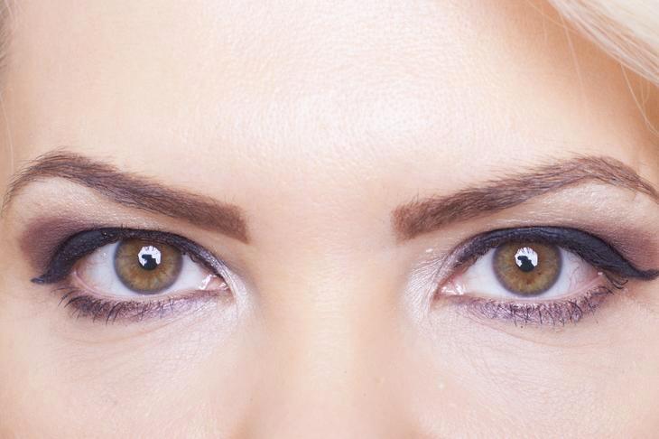 макияж: неправильные брови