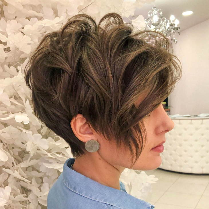Стрижка боб для вьющихся волос