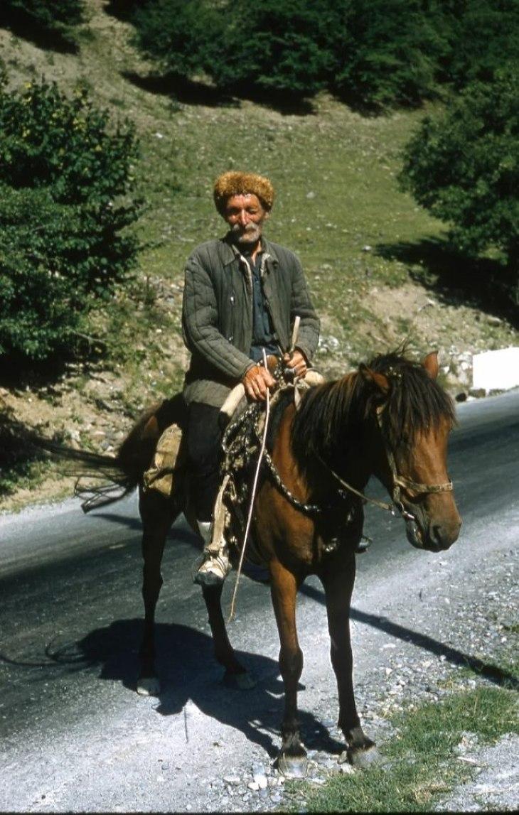 фото советских времен: на коне