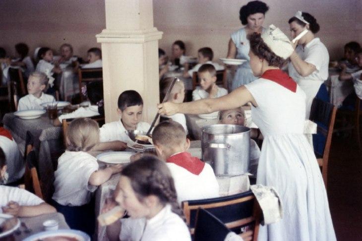 фото: в советской столовой